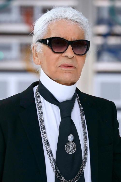Sự nghiệp lừng lẫy của huyền thoại nhà Chanel vừa qua đời - 1