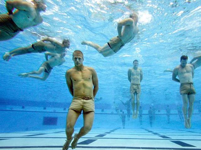 Biệt đội lợi hại nhất Tổng thống Mỹ: Trói tay chân ném xuống nước vẫn sống