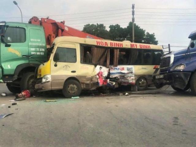 """""""Soi"""" tốc độ 3 chiếc ô tô trong vụ đâm xe liên hoàn trên đại lộ Thăng Long"""