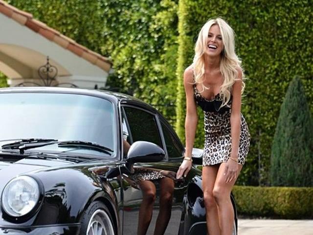 Công việc đáng mơ ước nhất thế giới: Mặc đồ hiệu, đi xe sang, kiếm tiền tỷ mỗi năm