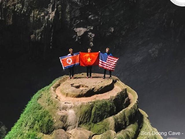 Quốc kỳ Việt Nam, Mỹ, Triều Tiên ở hang động lớn nhất thế giới