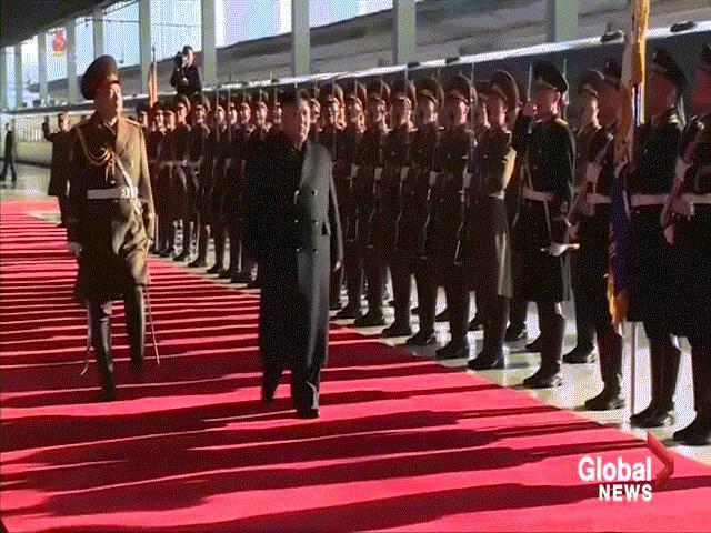Video: Người Triều Tiên tiễn ông Kim Jong Un lên tàu đến Việt Nam