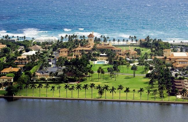 Câu lạc bộ Mar-a-Lago là một dinh thự rộng hơn 8 hecta với 128 phòng, được xây vào năm 1927 tại Palm Beach (Florida, Mỹ).