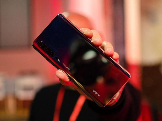 Hình ảnh đầu tiên của Huawei P30 Pro trong đời thực, đẹp khó cưỡng