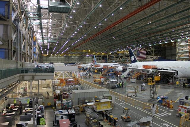 Mỹ mở nhà máy sản xuất linh kiện máy bay trị giá 170 triệu USD ở Đà Nẵng - 1