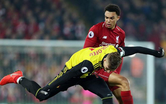 Liverpool - Watford: 5 table banquet, defender