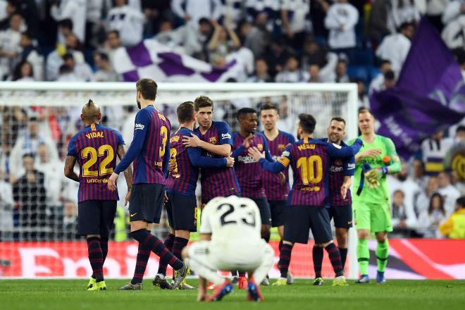 Real tái đấu Barca: Benzema bị trộm đồ, fan đòi Mourinho trở lại - 1