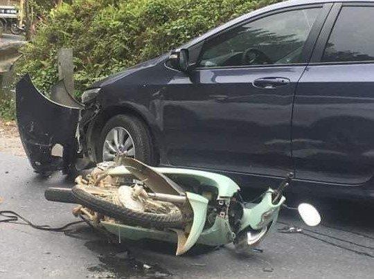 Người nhà phong toả hiện trường đòi 400 triệu cho người thân bị tai nạn - 1