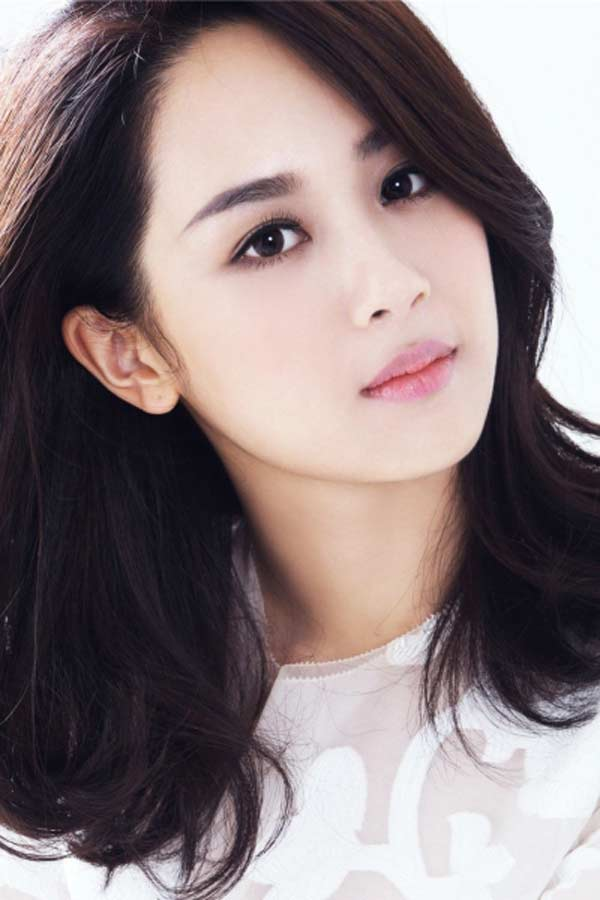Bị nghi phẫu thuật thẩm mỹ, người đẹp Hoa ngữ làm điều kỳ quặc để chứng minh - 1