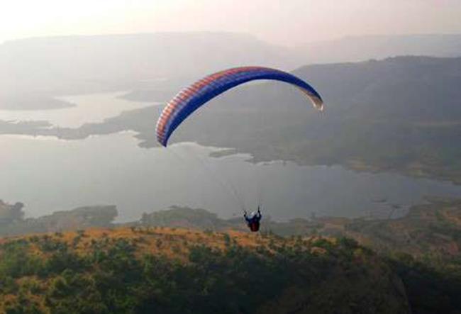 Kamshet, Maharashtra: Một quang cảnh bình dị với những ngôi làng nhỏ và hồ Pavana xinh đẹp cùng ngọn đồi Shinde wadi và hang động Bhedsa sẽ quyến rũ du khách rất nhiều.
