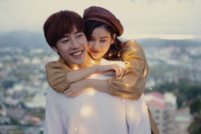 Sau ly hôn Tim, Trương Quỳnh Anh diễn tình tứ với hot boy trong MV mới - 1