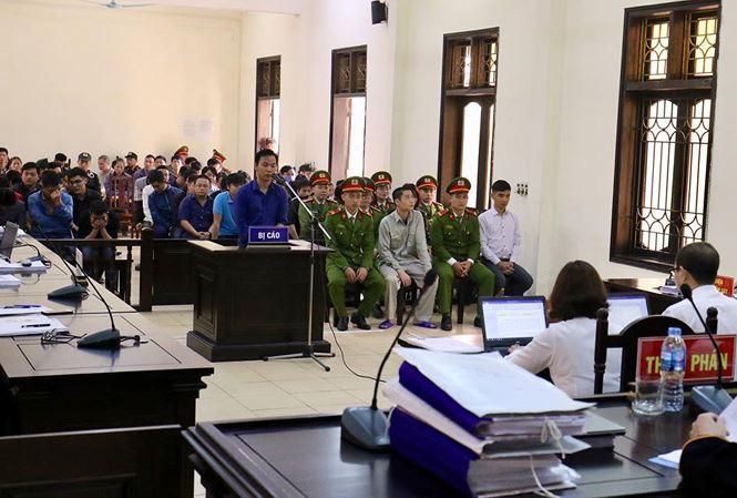 Cựu tướng Phan Văn Vĩnh vắng mặt tại phiên phúc thẩm vụ đánh bạc - 1