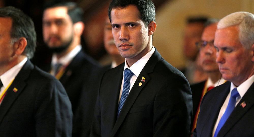 Vì sao Venezuela không bắt tổng thống lâm thời tự xưng tại sân bay? - 1