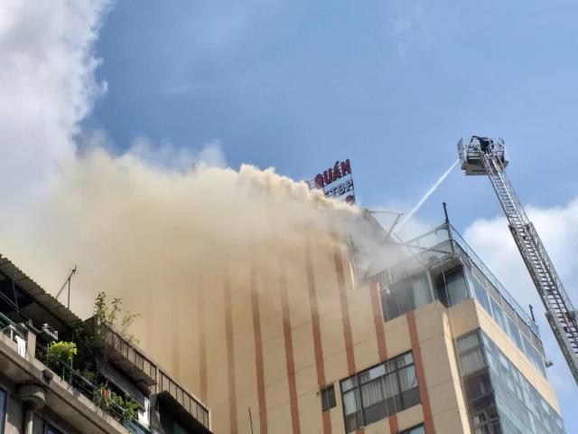 Hé lộ nguyên nhân vụ cháy nhà hàng giữa trung tâm TP.HCM