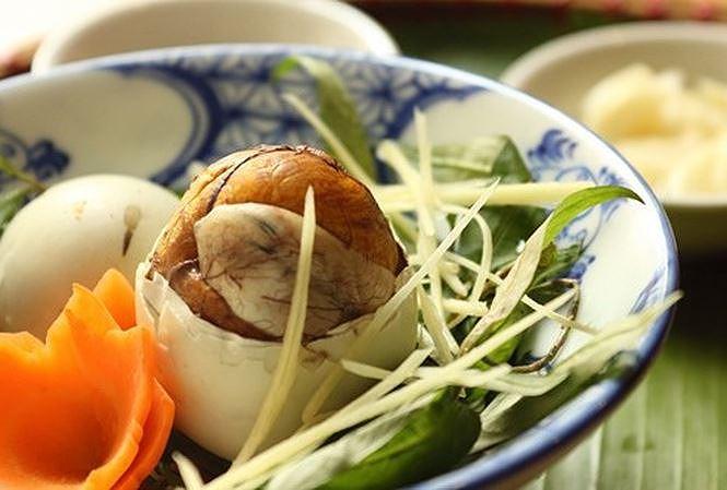 Ăn theo cách này, trứng vịt lộn thành 'thuốc độc' - 1