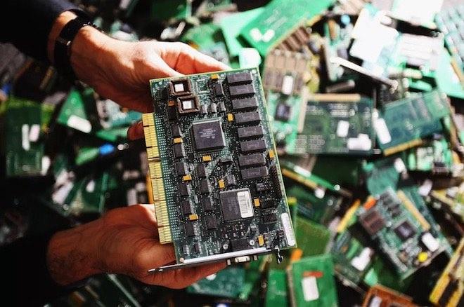Lo sợ chip gián điệp, các công ty công nghệ Mỹ tháo chạy khỏi thị trường Trung Quốc - 2