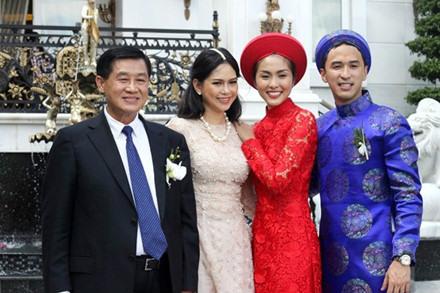 Lọt Top phụ nữ ảnh hưởng lớn nhất VN, mẹ chồng Tăng Thanh Hà giàu cỡ nào? - 1