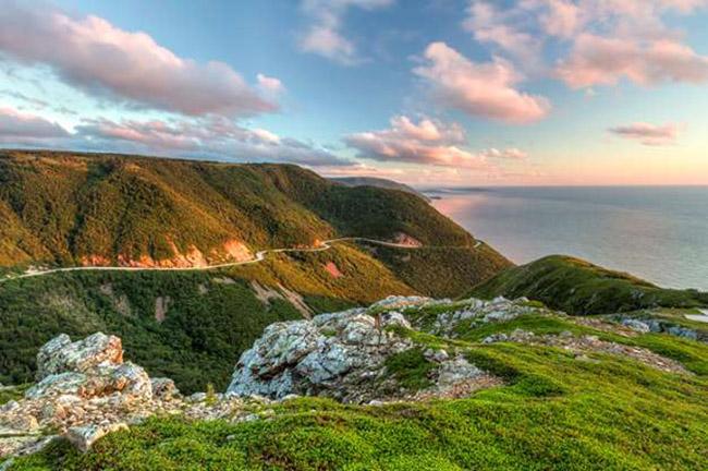 Đường mòn Cabot, Nova Scotia, Canada: Khung cảnh và cảnh quan ven biển sống động Cabot Trail là nguồn cảm hứng cho nhiều người.