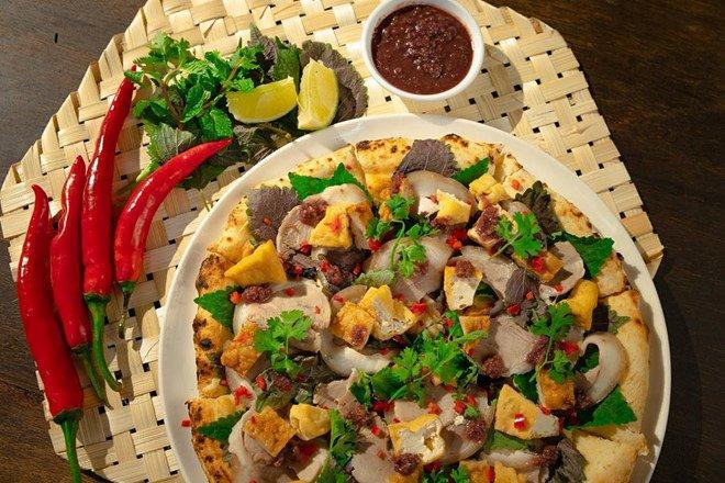 """Kỳ lạ với món """"Pizza bún đậu mắm tôm"""" - 1"""