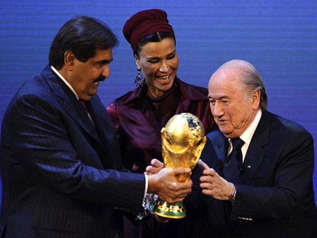 """Cú sốc World Cup: Rộ tin Qatar """"tặng"""" FIFA 20.000 tỷ đồng để làm chủ nhà"""