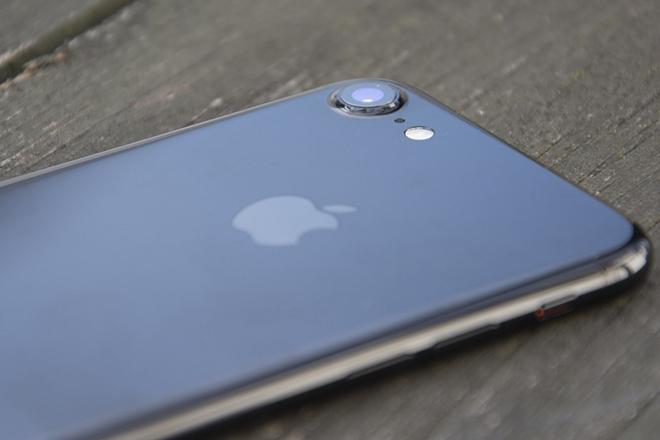 iPhone 7 tân trang được bán với giá chỉ 5,1 triệu đồng - 1