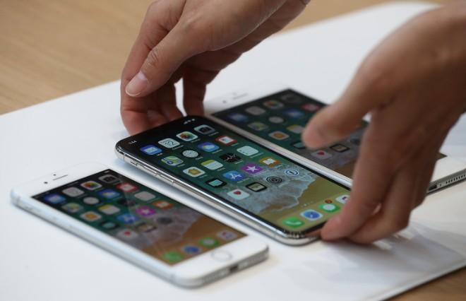 Chờ đợi gì ở 3 chiếc iPhone mà Apple ra mắt trong năm nay? - 1