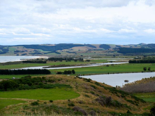 Kaitangata, New Zealand: Đây là một thị trấn nhỏ ở đảo Nam của New Zealand. Cư dân mới có thể mua được nhà và đất với tổng trị giá khoảng 157.000 USD, trong khi giá thị trường là 395.000 USD.