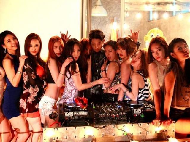 Sốc vì số nạn nhân nữ bị quay lén clip tình dục trong scandal sao Hàn