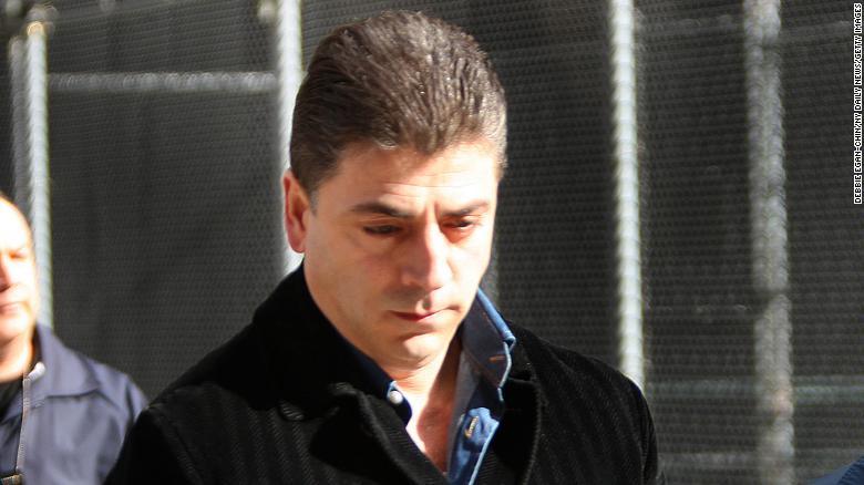 """""""Bố già"""" mafia khét nhất New York bị bắn chết trước cửa nhà là ai? - 1"""