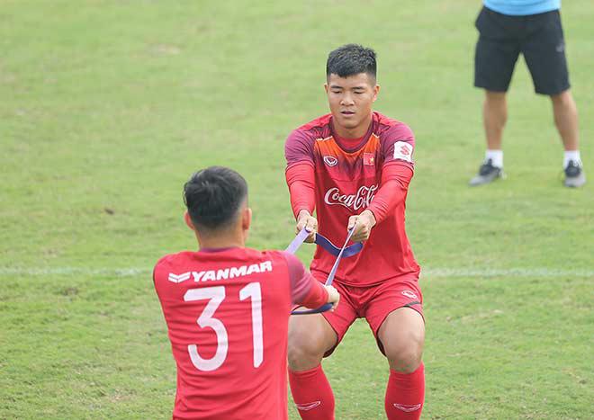 Hà Đức Chinh tìm suất đá chính U23 VN: Quyết không làm thầy Park thất vọng - 1