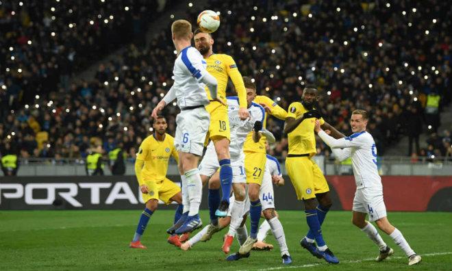 Dynamo Kiev - Chelsea: Hat-trick siêu đẳng, chiến thắng hủy diệt - 1