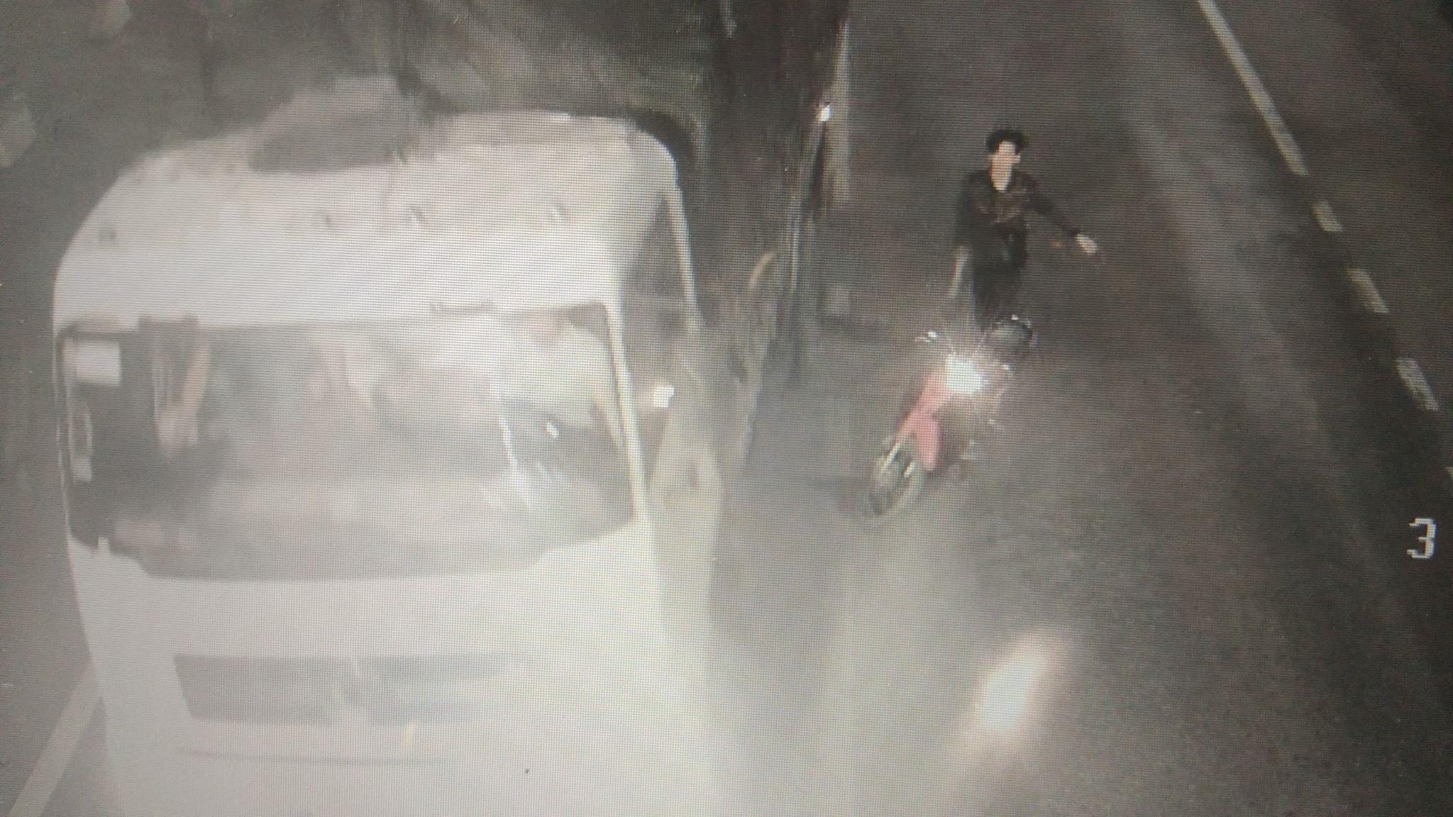 Điều tra vụ nhóm côn đồ dùng rựa tấn công xe tải qua hầm BOT - 1