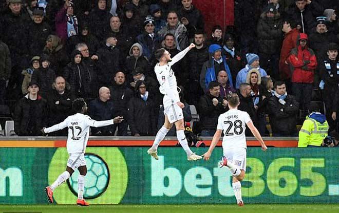 Swansea - Man City: Ngược dòng nghẹt thở, bàn thắng oan nghiệt - 1
