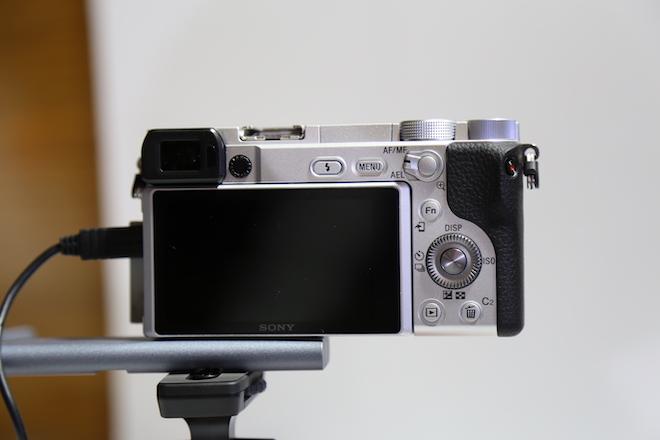 Sony công bố máy ảnh α6400 lấy nét nhanh nhất thế giới, tích hợp trí tuệ nhân tạo - 1