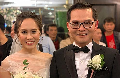 """Sao Việt """"đổ bộ"""" về Thái Bình dự tiệc cưới NSND Trung Hiếu và vợ kém 19 tuổi - 1"""