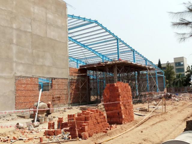 Vụ sập tường 6 người chết ở Vĩnh Long: Tin vui từ 2 người may mắn thoát chết