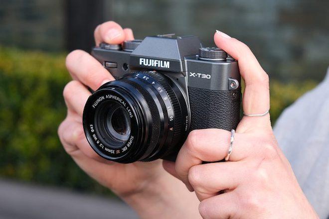 Đánh giá nhanh máy ảnh không gương lật Fujifilm X-T30 - 1