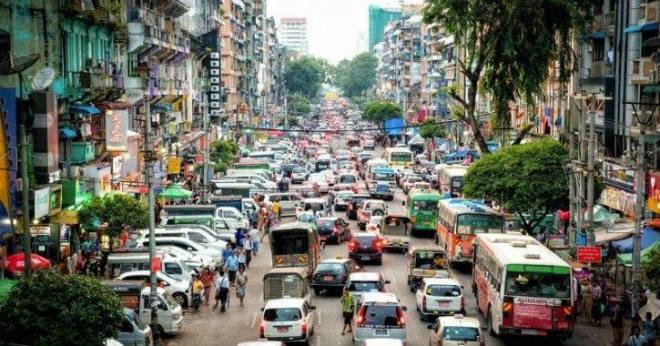 Bài học từ việc cấm xe máy ở thành phố lớn nhất Myanmar - 1