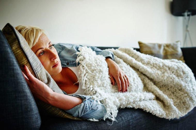 Dù hoàn toàn khỏe mạnh vẫn cần cảnh giác ung thư đại trực tràng khi có 6 dấu hiệu sau - 1