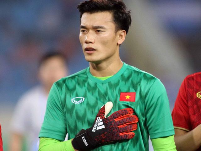 """U23 VN thắng Brunei 6-0: Thủ môn Bùi Tiến Dũng như """"tập thể dục"""" trên sân"""