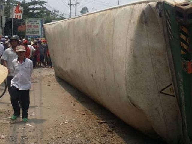 Vụ thùng container rơi, đè chết 3 người: Nạn nhân trong cùng một gia đình