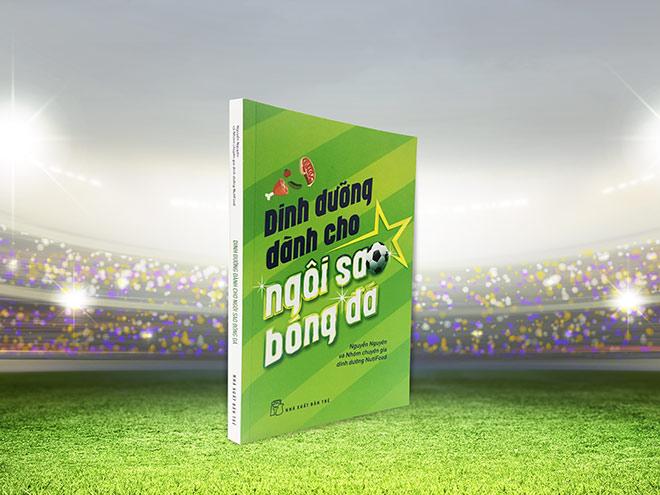 """Ra mắt sách """"Dinh dưỡng dành cho ngôi sao bóng đá"""" - 1"""