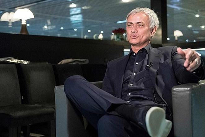 """Mourinho """"chửi khéo"""" Klopp và Pochettino, mua Mbappe khó ngang Messi - 1"""