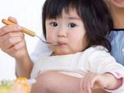Tin tức sức khỏe - Bỏ mặc trẻ đói, trẻ sẽ tự ăn? Đúng hay sai?