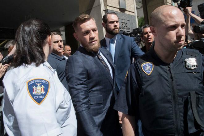 """Chấn động """"Gã điên UFC"""" McGregor giải nghệ: Vì mắc án hiếp dâm? - 1"""