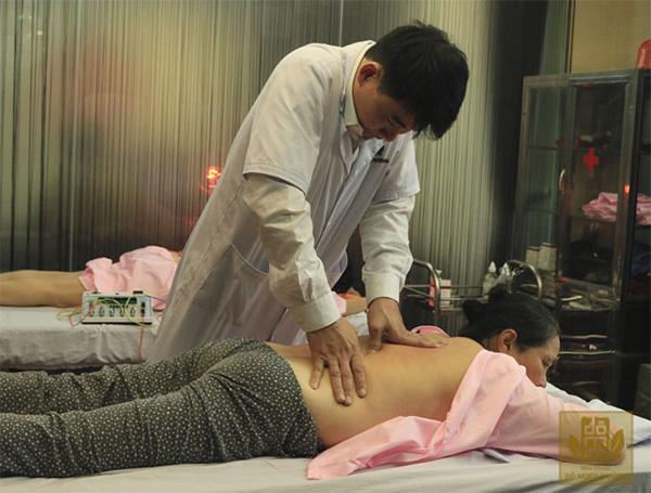 Xoa bóp bấm huyệt chữa bách bệnh - bảo bối Đông y của người Việt - 1