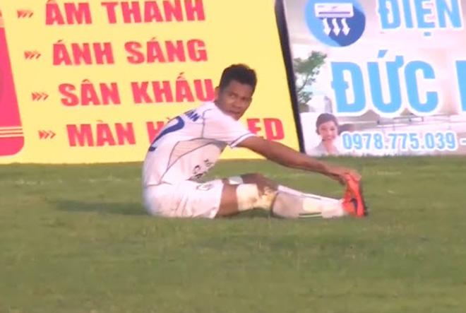 Bi hài bóng đá Việt: Đá về lưới nhà vẫn thoát thua ở cúp Quốc gia - 1