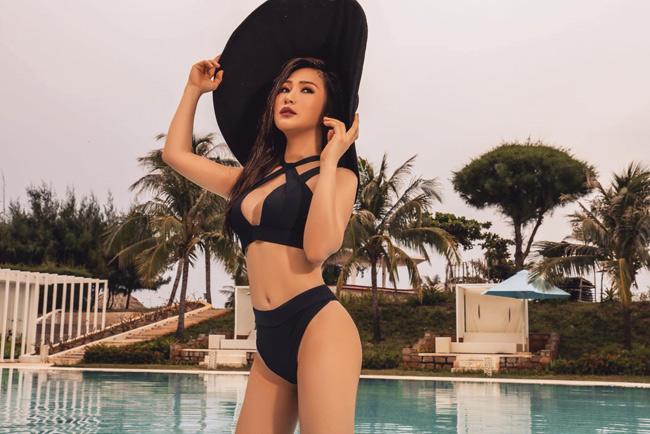 Hương Tràm vốn nổi tiếng là mỹ nhân tuổi trẻ tài cao và cực kỳ sexy trong showbiz Việt. Để làm mới mình, nữ ca sĩ 9X khiến nhiều người bất ngờ khi có sự thay đổi vẻ bề ngoài.