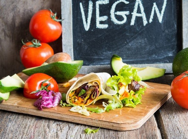 Giải mã những nguy cơ tiềm ẩn khi ăn chay giảm cân sai cách - 1
