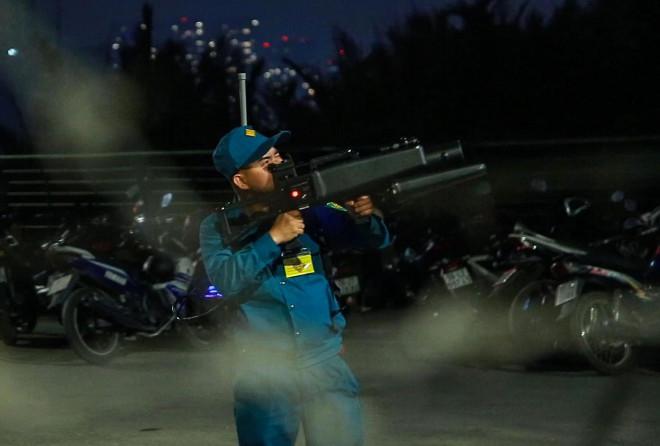 Vụ hàng loạt flycam bị bắn hạ khi quay cảnh pháo hoa: Ai được phép sử dụng flycam? - 1